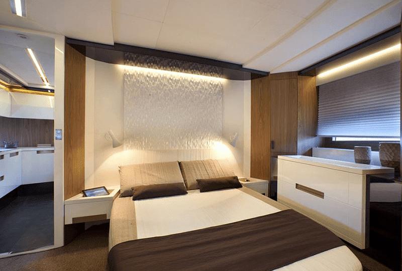Suite over water Baia Hotel di lusso galleggiante situato a due passi dal suggestivo centro archeologico di Baia prima colazione inclusa