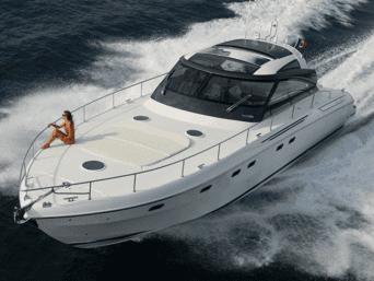 Fiart yacht Leucosia noleggio e locazione settimanale o giornaliera. Una vacanza unica nel suo genere, ideale per coppie, famiglie e amici