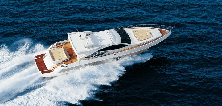 Azimut 86 S noleggio yacht giornaliero. Super yacht di grande prestigio disponibile il noleggio settimanale o giornaliero con equipaggio.