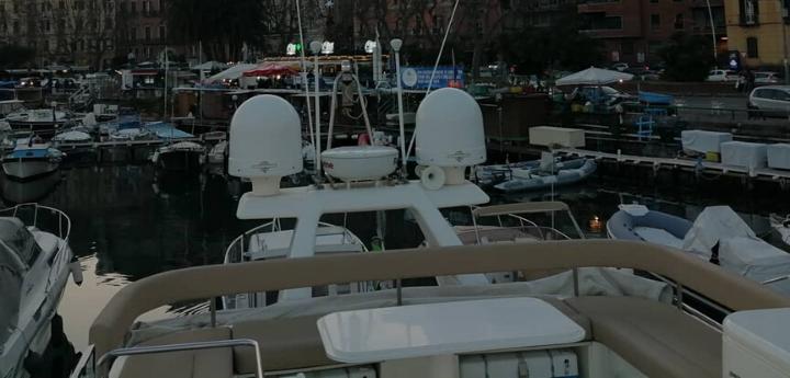 Camera doppia in yacht a Napoli dormire in barca