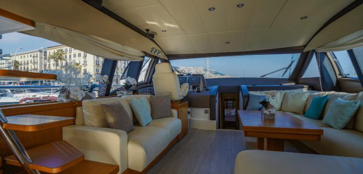 Vacanze italiane in barca. Benessere a bordo, dispositivi elettronici e pasti speciali con chef privato tutti i suggerimenti utili