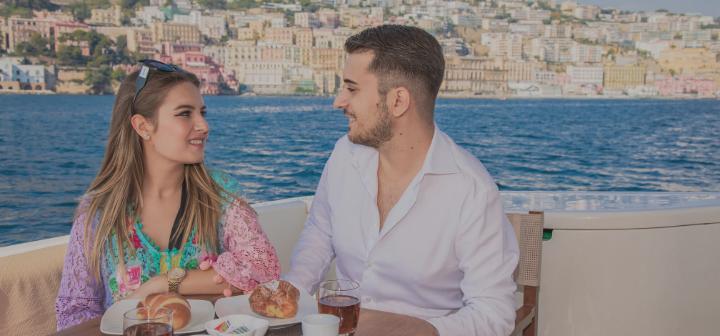 Boat hotel a Napoli per il weekend, dormire in barca