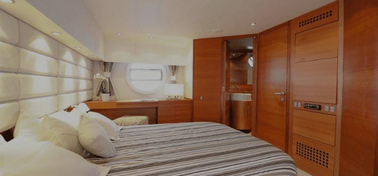 Noleggio yacht Aicon 72 SL, un resort overwater posizionato geograficamente a sud di Napoli della collection luxury yacht RadaHotel