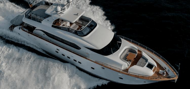 Barche a noleggio yacht e catamarani esclusivi per l'estate. Tutte le imbarcazioni della flotta sono disponibili con o senza equipaggio.
