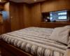 Pozzuoli deluxe room in yacht. Un'esperienza completamente personalizzabile a bordo di lussuose unità a vela e motore ancorate nel porto.