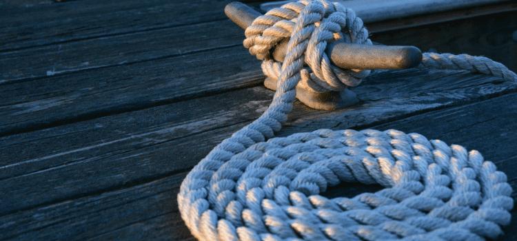 Viaggi in catamarano tutto compreso da Napoli e Bacoli. Oggi puoi scegliere di trascorrere un week end o una settimana tra il blu del mare.